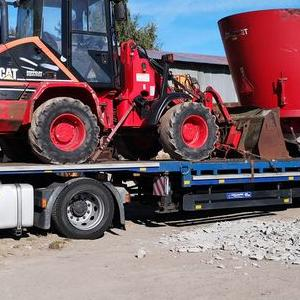 czerwony traktor